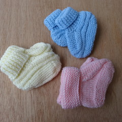 3 pairs of Baby Bootees
