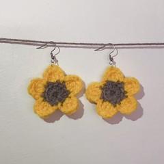 Flower earrings - Yellow & Brown