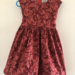 Christmas dress size 5 made in cotton.