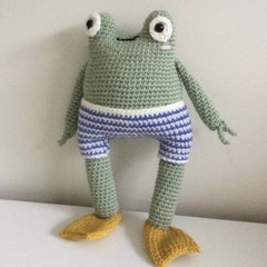 Victor the Frog  - crocheted, knitted softie