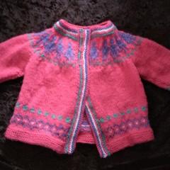 """BABIES """"LITTLE PEOPLE"""" handknit cardi, fair-isle pattern in pure wool 3-6 mths."""