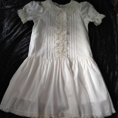 EDWARDIAN STYLE girls dress in ivory cotton voile and cluny lace, size 5 - 6 yrs