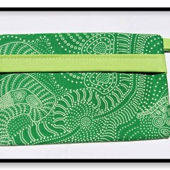 Harvest Face Mask Carry Pouch (Green Trim)