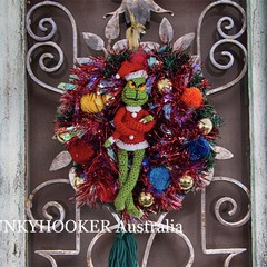 Grinch Tinsel and Pom Pom Wreath Handmade Christmas Decoration-Red Tinsel