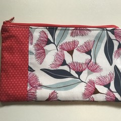 Red gum blossom purse