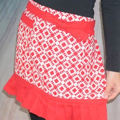 Red & White Patterned Half Apron -  FREE Tracked POST!