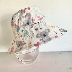 Girls summer hat in cute koala fabric