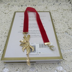 Bookmark Luxury Velvet - Red with Gold Leaf Charms