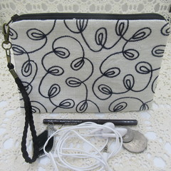 Women's Wristlet/Cosmetic/Jewelery Pouch - Embroidered Silk