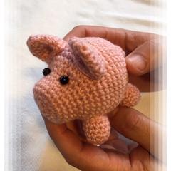 Glass eyed Sugar pig amigurumi model