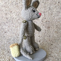 Grey mouse with Cheese amigurumi model