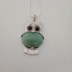 Silver owl natural stone green adventurine pendant necklace