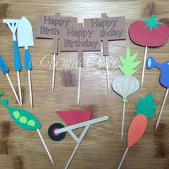12 gardening themed cupcake toppers