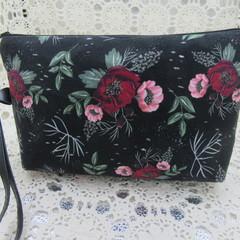 Ladies Wristlet Clutch- Black Floral