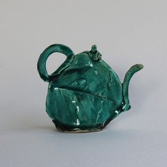 Tea Leaf Teapot