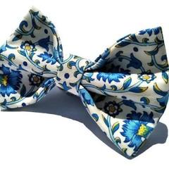 Men's bow tie, with pocket square optional/Culodden vine blue