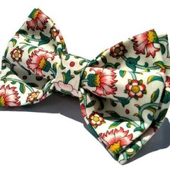 Men's bow tie, with pocket square optional/Culodden vine red