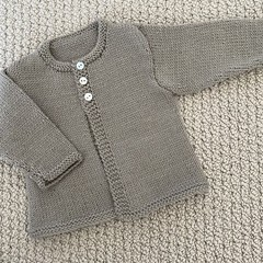 Neutral Cardigan  - Newborn - pure wool - Hand knitted