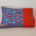 WIGGLES IN RED OR BLUE  PILLOWCASE/INNER FLAP/FITS TODDLER PILLOW/35CM X 50CM