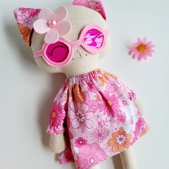 Kiki Kitten - Too Cool!