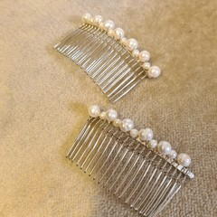 Cream coloured freshwater pearl hair combs