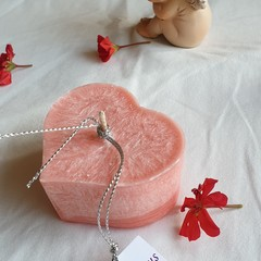 "Scented Lychee and Black tea ""Heart"" candle"