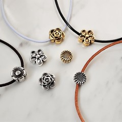 Simple Small metal flower charm bracelet , Gold / Silver Sunflower Lotus Daisy