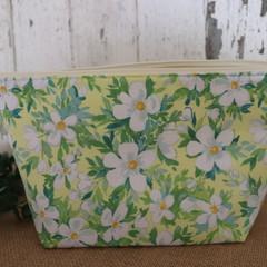Toiletry bag- lemon floral
