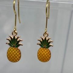 Pineapple Charming Earrings