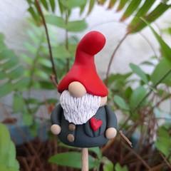 Tiny gnome - Red heart