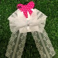 Classic double looped Lace Bow.