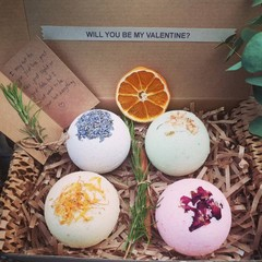 Personalized Bath bomb gift box* Gift for her* Valentine gift*