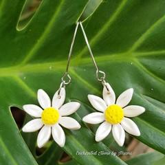 Long drop Daisy Flower earrings