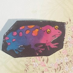 Cute frog brooch. Pink and purple. Ideal gift for frog coolectors