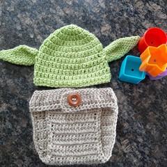 Newborn Yoda set