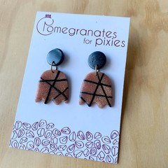 Lale Earrings in Abstract Lines