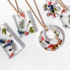 FLORAL personalized pendants /custom real flower pendants / resin flower pendant