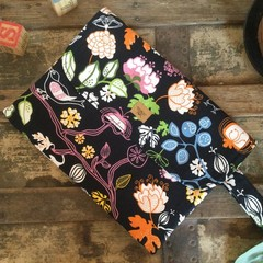 Nappy Wallet - Flowers on Navy