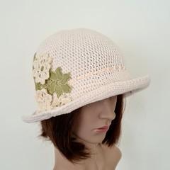Cream cotton summer hat with pop of green