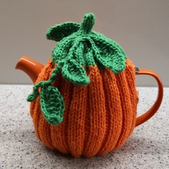Tea Cosy - Pumpking Design fit a Small Tea Pot