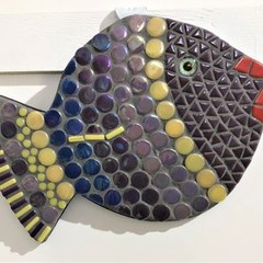 Mosaic - round mauve fish