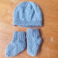 Baby beanie and sock set
