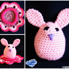Bunny egg with cosy in shades of pink