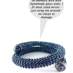 Blue beaded flexible size bracelet