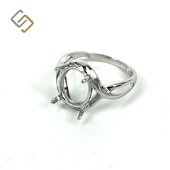 Ring with Oval Prong Mounting in Sterling Silver for 8mm x 10mm Stones MTR130