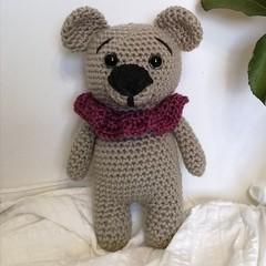 Super cute crochet Bear in collar