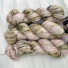 4ply handdyed Australian merino/nylon sock  390m 100g (moss petticoat)