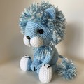 Sitting lion, Pale blue with variegated blue/white mane amigurumi model