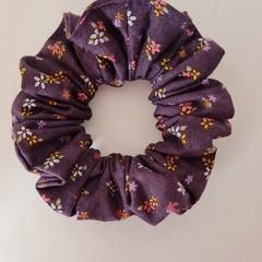 Scrunchie - burgundy / purple  flower print / hair accessories