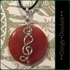 Treble Clef Swirly Agate Pendants (6x available)